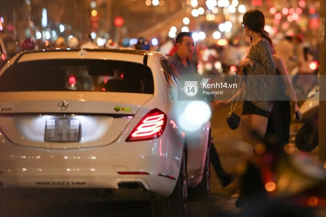 Trấn Thành lái xe chở Hari Won chạy ngược chiều, vi phạm luật giao thông - Ảnh 3.