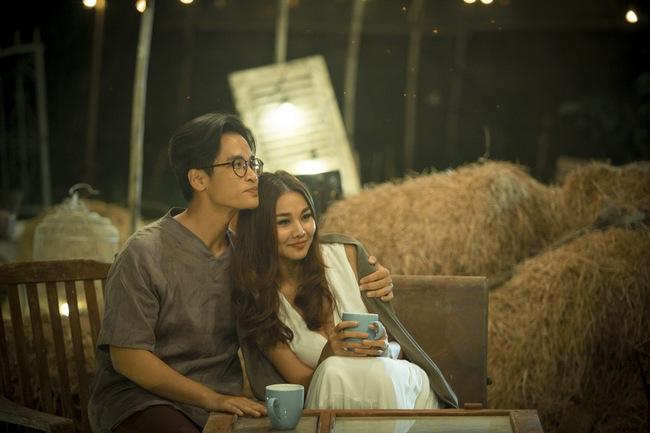 Hà Anh Tuấn và Thanh Hằng hôn nhau đầy tình cảm trong MV - Ảnh 12.