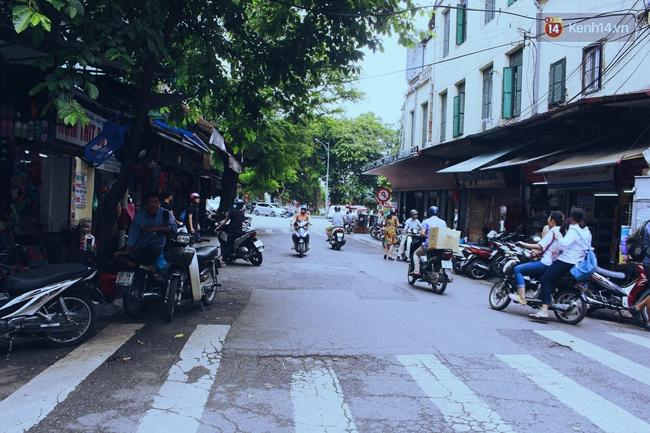 Có gì ở những con đường, con ngõ ngắn nhất trong lòng phố cổ Hà Nội - Ảnh 2.