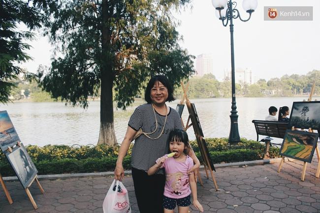 Phố đi bộ Hà Nội sau 3 tuần thí điểm: Yên bình nhưng... buồn tẻ vì thiếu điểm vui chơi giải trí! - Ảnh 17.
