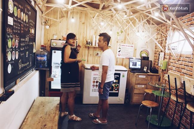 Cửa hàng tự phục vụ 100% ở Hà Nội, việc buôn bán phụ thuộc vào sự trung thực và tử tế của khách hàng - Ảnh 1.