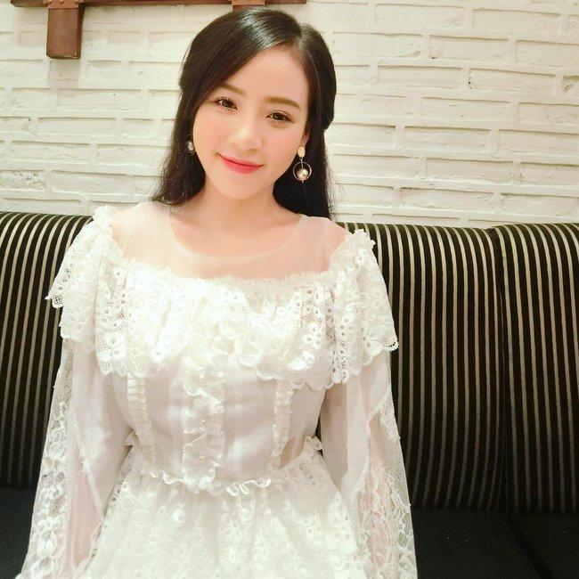 Cô gái Việt vô danh bỗng được cư dân mạng Trung Quốc săn lùng vì... quá xinh - Ảnh 9.