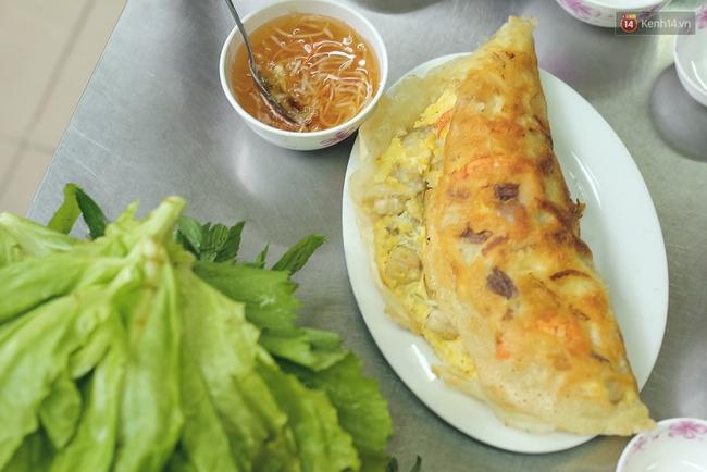 Ghi vào sổ 4 hàng bánh xèo siêu ngon, lúc nào cũng đông khách ở Sài Gòn - Ảnh 1.