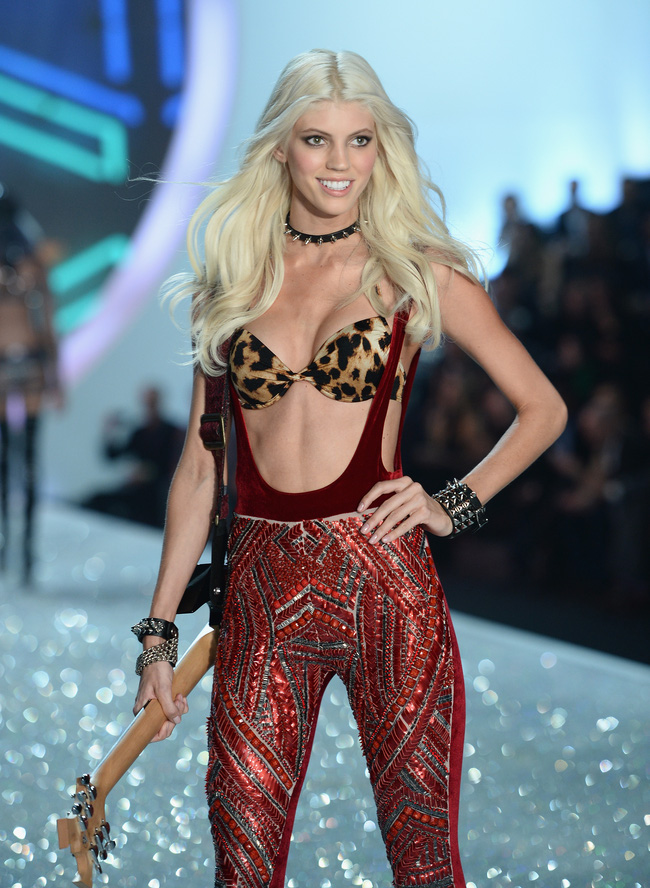 Điểm mặt chỉ tên cả thảy 54 chân dài sẽ sải bước tại Victorias Secret Fashion Show sắp tới - Ảnh 24.