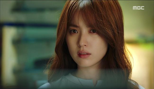 """""""W"""": Từ cuộc đời vạn người mê, Lee Jong Suk và Han Hyo Joo giờ đây không khác gì ăn mày - Ảnh 31."""