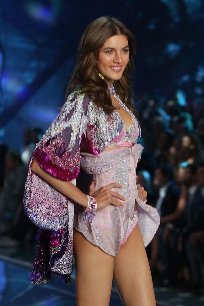 Điểm mặt chỉ tên cả thảy 54 chân dài sẽ sải bước tại Victorias Secret Fashion Show sắp tới - Ảnh 28.