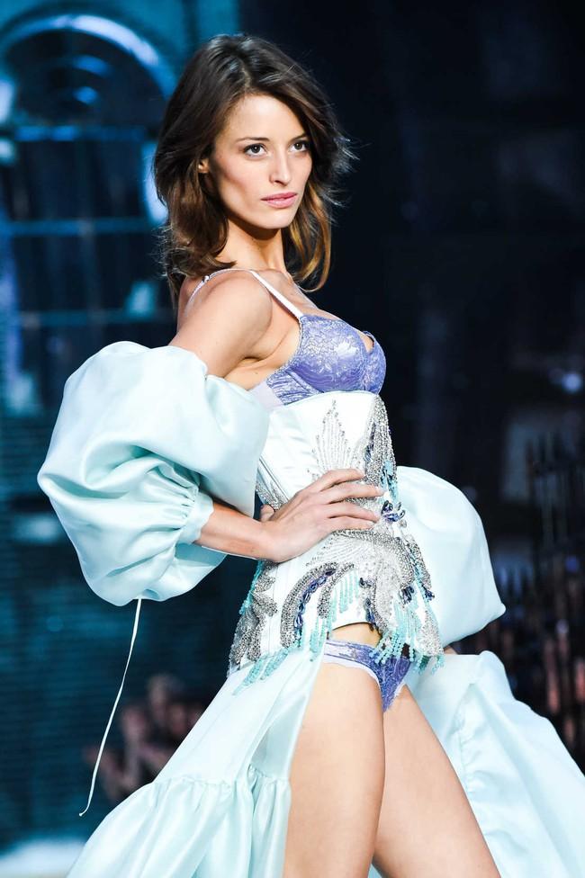 Điểm mặt chỉ tên cả thảy 54 chân dài sẽ sải bước tại Victorias Secret Fashion Show sắp tới - Ảnh 31.