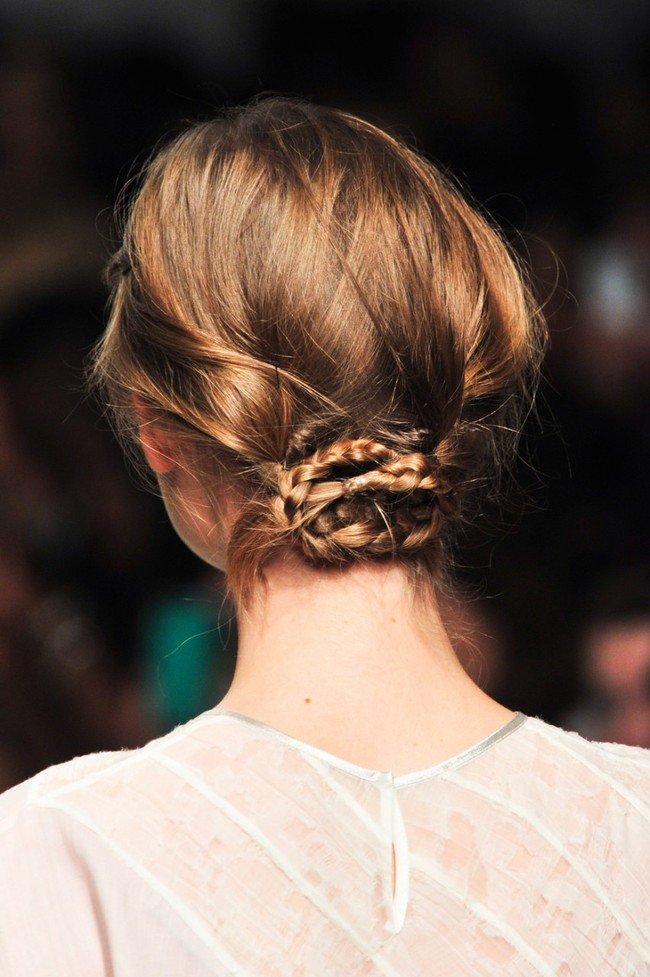 Với những cách tạo kiểu tóc này, mùa hè không còn là ác mộng của những cô nàng tóc ngắn!