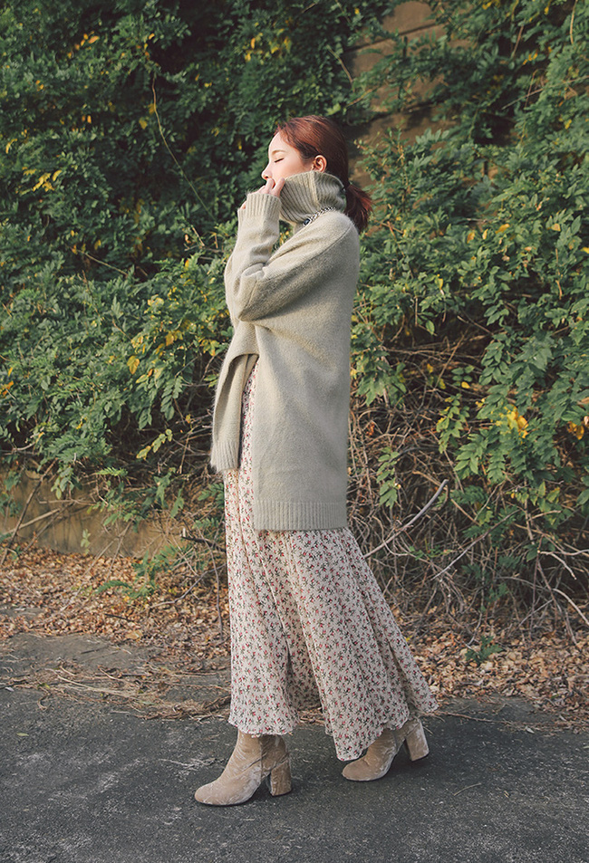 Mùa của những chiếc áo len cổ lọ đã đến, và đây là 7 cách diện thật chuẩn item này - Ảnh 7.