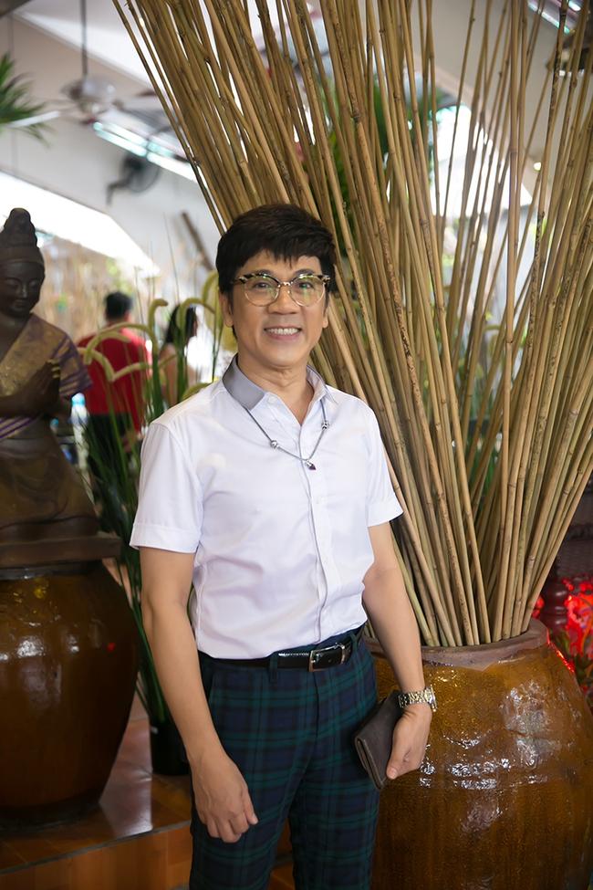 Dàn sao Việt sặc sỡ váy áo, thân thiết cùng nhau trong sự kiện - Ảnh 1.