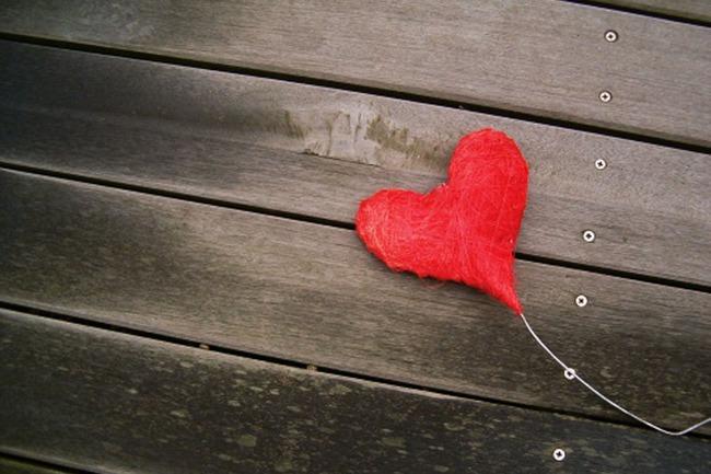 Bởi tình yêu chưa bao giờ là thứ để khoe khoang - Ảnh 1.