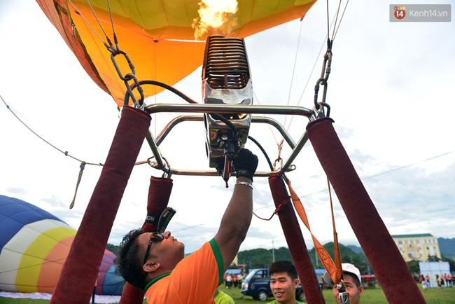 Trải nghiệm ngắm cao nguyên Mộc Châu trên khinh khí cầu khổng lồ - Ảnh 3.