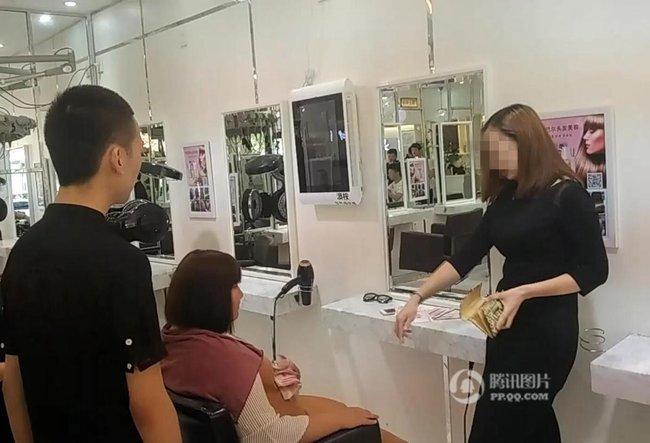 Chỉ vì tranh chỗ ngồi trong tiệm làm tóc, mỹ nữ sẵn sàng vung 6,7 tỷ để mua cả cửa hiệu - Ảnh 3.