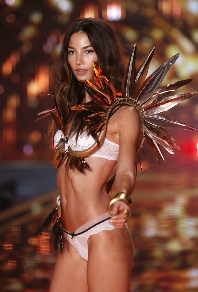 Điểm mặt chỉ tên cả thảy 54 chân dài sẽ sải bước tại Victorias Secret Fashion Show sắp tới - Ảnh 3.