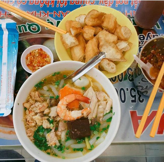 3 hàng bánh canh cua không lúc nào vắng khách ở Sài Gòn - Ảnh 19.