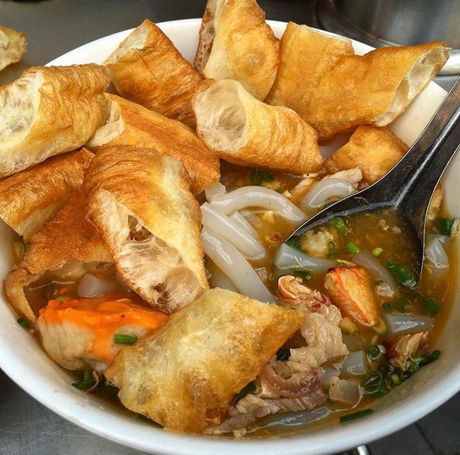 3 hàng bánh canh cua không lúc nào vắng khách ở Sài Gòn - Ảnh 18.
