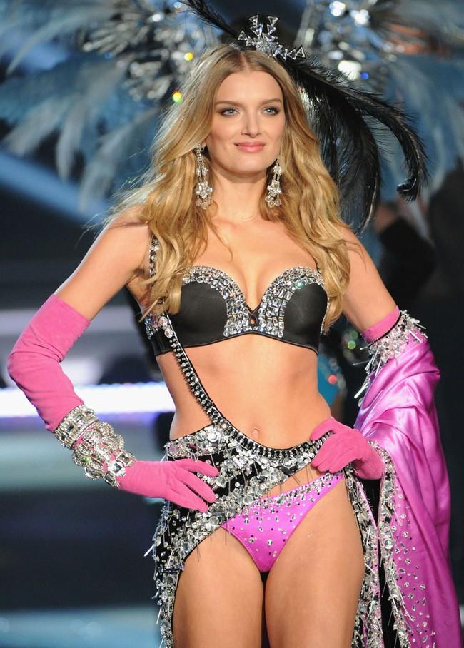 Điểm mặt chỉ tên cả thảy 54 chân dài sẽ sải bước tại Victorias Secret Fashion Show sắp tới - Ảnh 33.