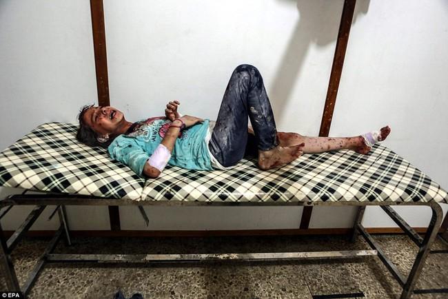 Loạt hình ám ảnh về những đứa trẻ phải sống trong bom đạn chiến tranh ở Syria - Ảnh 10.