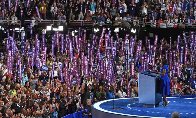 Hãy nghe hết bài diễn văn tuyệt vời của bà Michelle Obama, bạn sẽ hiểu làm Tổng thống nghĩa là gì - Ảnh 5.
