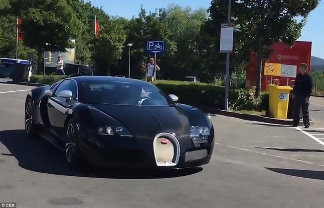 Abramovich khoe bộ sưu tập siêu xe toàn hàng khủng - Ảnh 7.