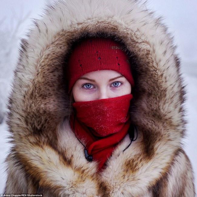 Thị trấn lạnh nhất thế giới có người sinh sống với nhiệt độ có lúc xuống tới -67 độ C - Ảnh 5.