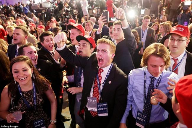 Ông Donald Trump chính thức trở thành Tổng thống thứ 45 của Mỹ - Ảnh 3.