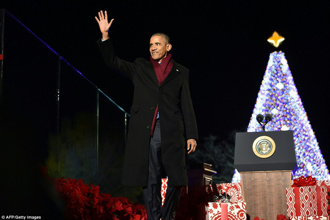 Vậy là lần cuối cùng, gia đình ông Obama thắp cây thông Noel trong mùa giáng sinh tại Nhà Trắng - ảnh 6