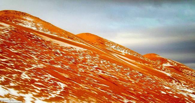 Lần thứ 2 trong lịch sử, sa mạc Sahara có tuyết rơi! - Ảnh 4.