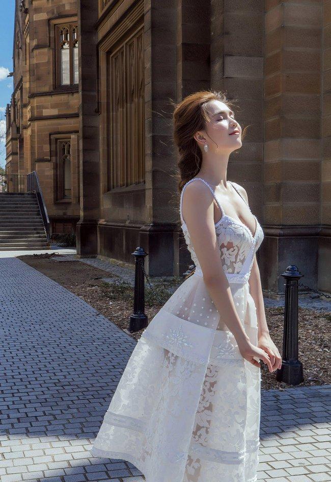 Ngọc Trinh xinh như công chúa trong bộ ảnh thực hiện tại Úc - Ảnh 7.