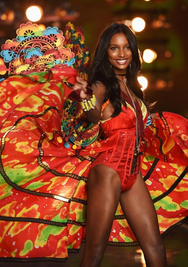 Điểm mặt chỉ tên cả thảy 54 chân dài sẽ sải bước tại Victorias Secret Fashion Show sắp tới - Ảnh 4.