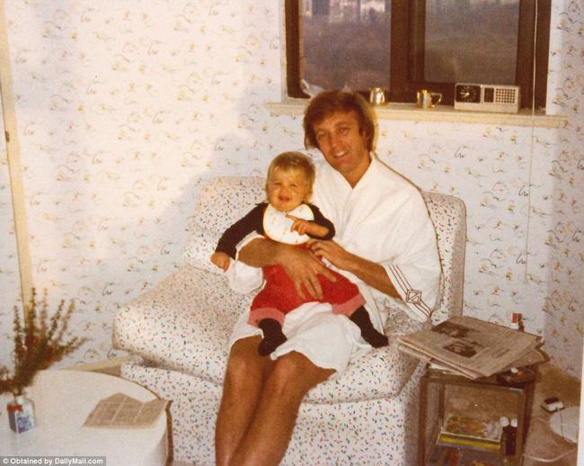 Donald Trump từng thay tã cho con, một hình ảnh hoàn toàn khác về tân Tổng thống Mỹ - Ảnh 9.