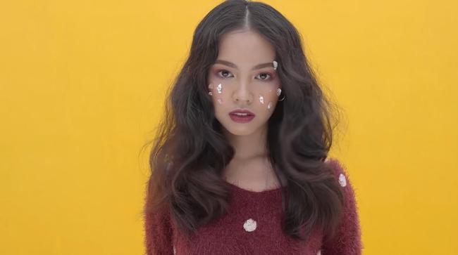 MV cover khiến cư dân mạng sửng sốt: Cover thôi mà, có cần phải đẹp vậy không? - Ảnh 4.