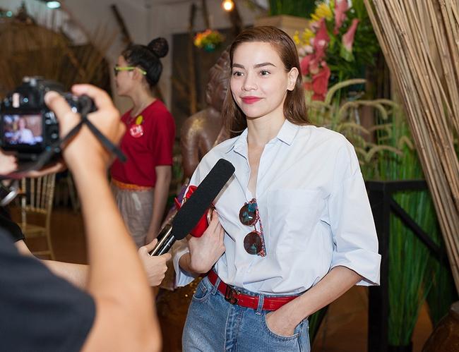 Dàn sao Việt sặc sỡ váy áo, thân thiết cùng nhau trong sự kiện - Ảnh 8.