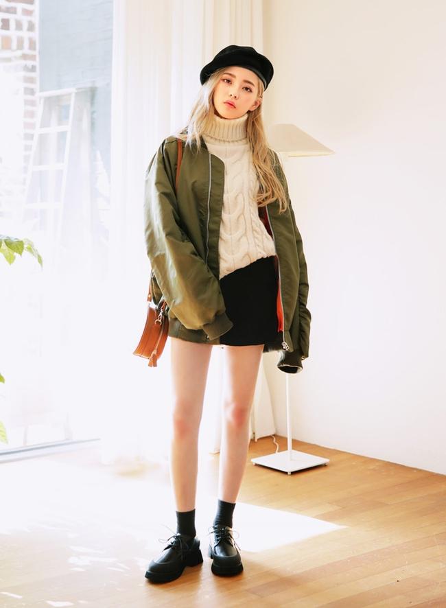 5 công thức giúp bạn nằm lòng cách mix bomber jacket dày cho ngày lạnh