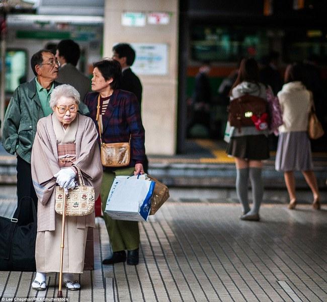 Chùm ảnh cho thấy tinh thần làm việc đáng khâm phục của người cao tuổi Nhật Bản - Ảnh 5.