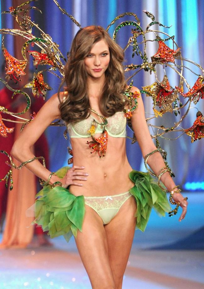 Không chỉ bộ sậu Gigi Hadid, Kendall Jenner, cả Karlie Kloss cũng sẽ trở lại với Victorias Secret Fashion Show năm nay - Ảnh 5.