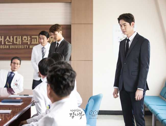 Romantic Doctor, Teacher Kim - Ngành Y lại tỏa sức hấp dẫn trên màn ảnh nhỏ Hàn dịp cuối năm - Ảnh 7.