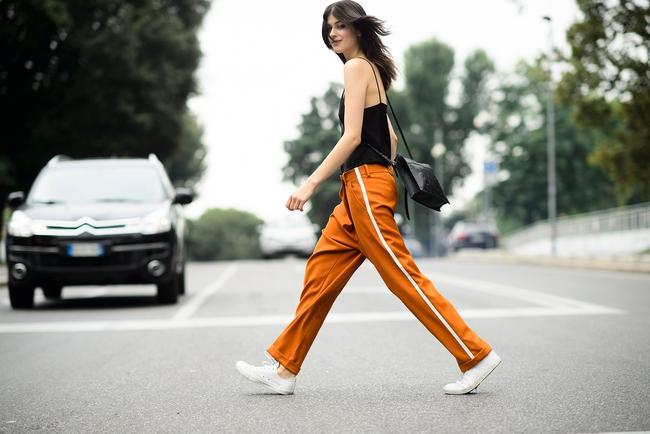 Chiếc quần Zara này đang được các fashionista thế giới thi nhau diện và nó có bán tại store Zara Việt Nam - Ảnh 15.