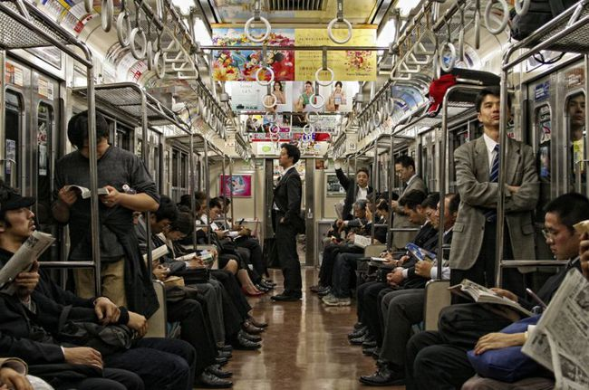 Muốn biết người Nhật văn minh như thế nào hãy đi tàu điện ngầm ở Tokyo - Ảnh 3.