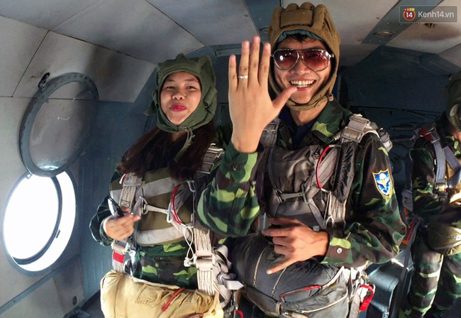 Màn cầu hôn của chàng bác sĩ Hà Nội và nữ giảng viên ĐH Kiến Trúc trước khi nhảy dù - Ảnh 7.