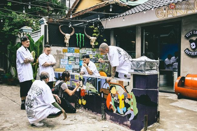 Bên trong khu phức hợp đậm phong cách Chicano của những chàng barber chất chơi ở Sài Gòn - Ảnh 6.