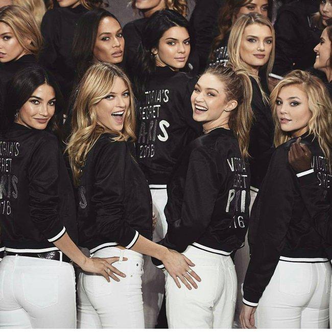 Dàn mẫu Victorias Secret đổ bộ sân khấu để tổng duyệt show, bật mí concept makeup và làm tóc - Ảnh 8.