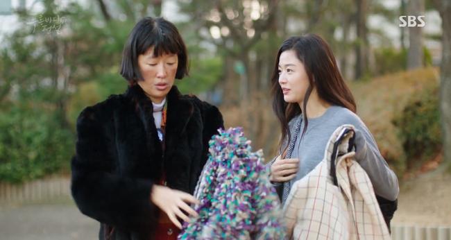 """Huyền Thoại Biển Xanh: Sau 7 năm từ BOF, Lee Min Ho lần nữa có nguy cơ bị cho """"leo cây"""" ở tháp Nam San - Ảnh 20."""