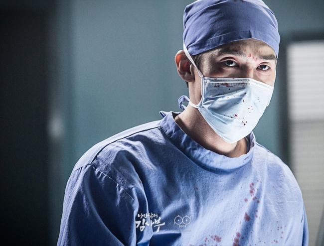 Romantic Doctor, Teacher Kim - Ngành Y lại tỏa sức hấp dẫn trên màn ảnh nhỏ Hàn dịp cuối năm - Ảnh 8.