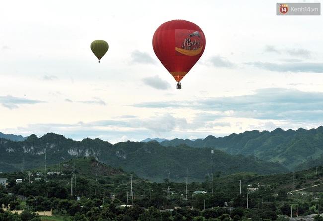 Trải nghiệm ngắm cao nguyên Mộc Châu trên khinh khí cầu khổng lồ - Ảnh 7.