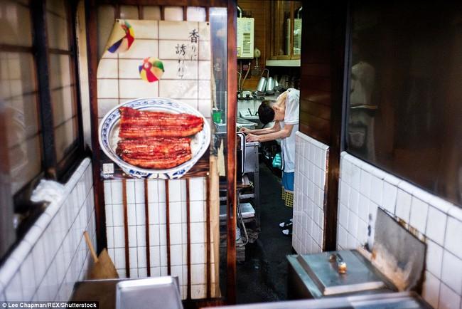 Chùm ảnh cho thấy tinh thần làm việc đáng khâm phục của người cao tuổi Nhật Bản - Ảnh 7.
