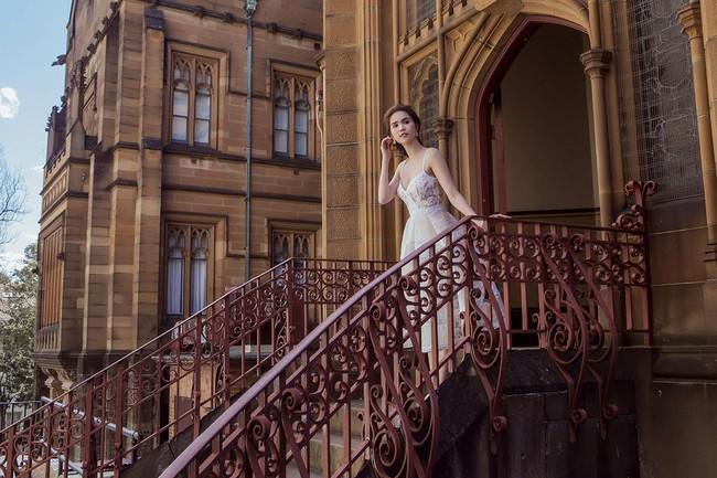Ngọc Trinh xinh như công chúa trong bộ ảnh thực hiện tại Úc - Ảnh 4.