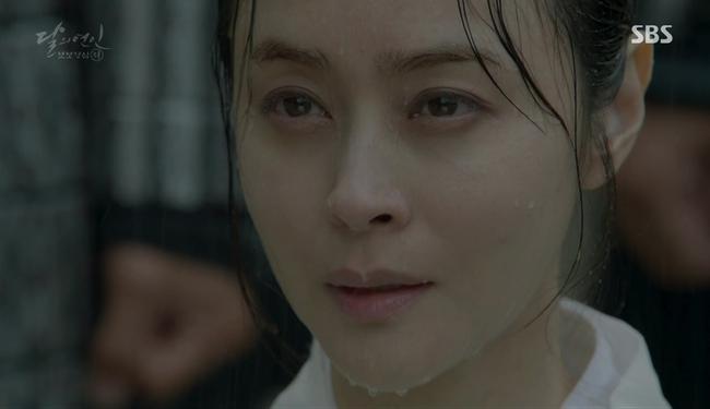 Ngoài Lee Jun Ki và IU, còn 5 mối tình cảm động trong Moon Lovers - ảnh 3