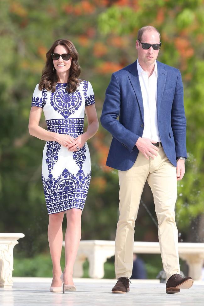 Công nương Kate chi hơn 1 tỉ VNĐ cho 17 bộ đồ trong tuần công du - Ảnh 24.