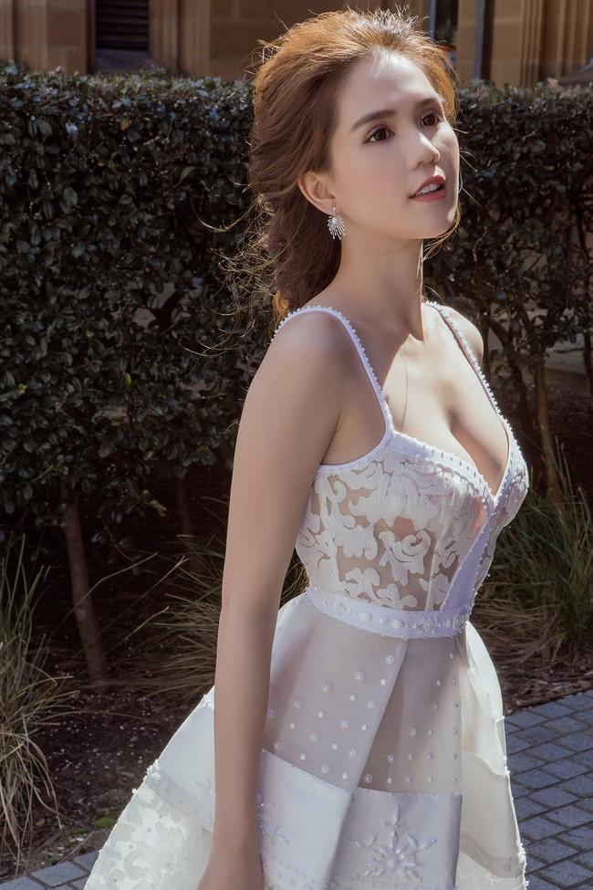 Ngọc Trinh xinh như công chúa trong bộ ảnh thực hiện tại Úc - Ảnh 3.